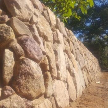 Retaining Water, Emerald Beach, Retaining Wall, Sandstone